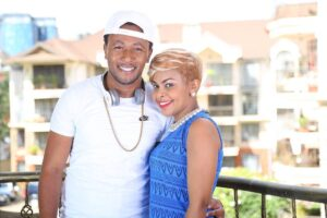 size 8 and dj mo 5